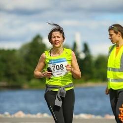 Helsinki Half Marathon - Minna Helenius (708)