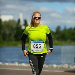 Helsinki Half Marathon - Eveliina Högström (855)