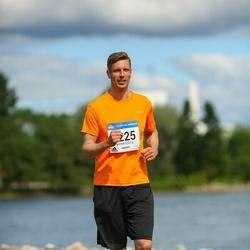 Helsinki Half Marathon - Timo Sinkkonen (2225)