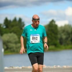 Helsinki Half Marathon - Eitan Israeli (892)