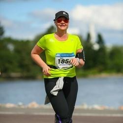 Helsinki Half Marathon - Kata Penttinen (1854)