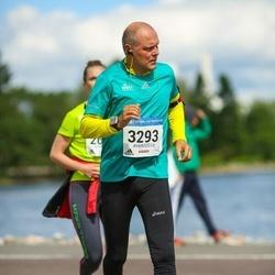 Helsinki Half Marathon - Harri Laurila (3293)