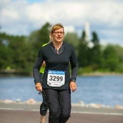 Helsinki Half Marathon - Satu Pitkänen (3299)