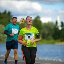 Helsinki Half Marathon - Iida Frilander (587)