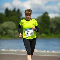 Helsinki Half Marathon - Anu Kallio (979)