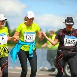 Helsinki Half Marathon - Mirjam Araneva (6), Sari Kärnä (1276), Eija Lehestö (1371)