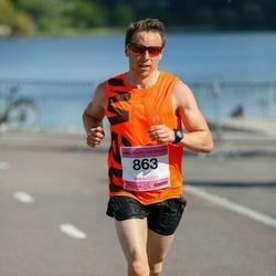 Helsinki Half Marathon - Pasi Ahonen (863)