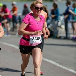 Helsinki Half Marathon - Laura Vuorimies (3220)