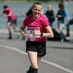 Helsinki Half Marathon - Niia Fredriksson (916)