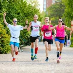 Helsinki Half Marathon - Pentti Anttonen (675), Antti Luostarinen (1841)