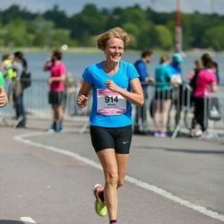 Helsinki Half Marathon - Annika Franzen (914)
