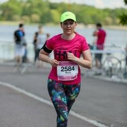 Helsinki Half Marathon - Minna Rehnstrand (2584)