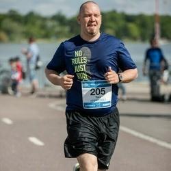 Helsinki Half Marathon - Toni Honkaranta (205)