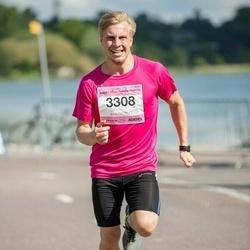Helsinki Half Marathon - Mika Kantele (3308)