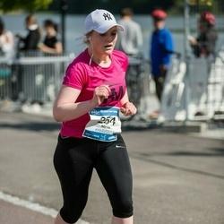 Helsinki Half Marathon - Mirva Heino (254)