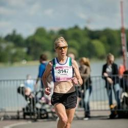 Helsinki Half Marathon - Caroline Wheelhouse (3147)