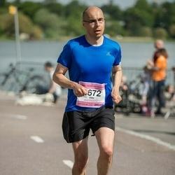 Helsinki Half Marathon - Ville Lahtinen (1672)