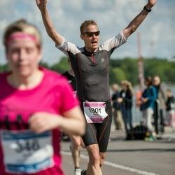Helsinki Half Marathon - Mikko Lindroos (1801)