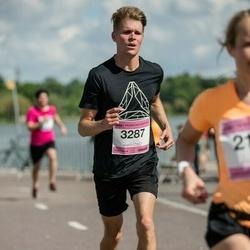 Helsinki Half Marathon - Jarno Hartikainen (3287)