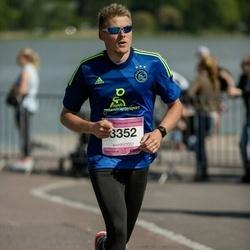 Helsinki Half Marathon - Pertti Nurminen (3352)