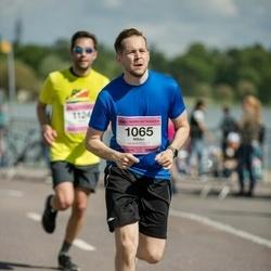Helsinki Half Marathon - Mikko Heinonen (1065)