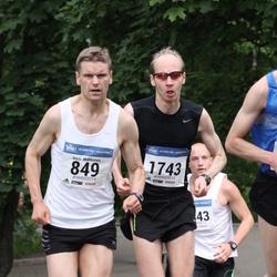 Helsinki Half Marathon - Jussi Makkonen (849), Ilari Ahokas (1743)