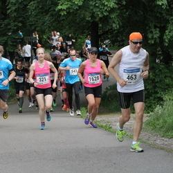 Helsinki Half Marathon - Laura Hievanen (321), Pertti Jäppinen (463), Robert Sjölund (1398), Julia Venesmaa (1628)