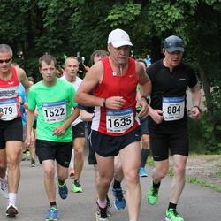Helsinki Half Marathon - Janne Mela (884), Kristian Torkkel (1522), Heikki Vesalainen (1635)