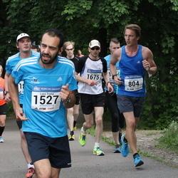 Helsinki Half Marathon - Altti Lindroos (804), Luca Trotta (1527)