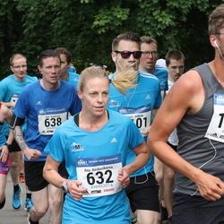 Helsinki Half Marathon - Anu Koskenkorva (632), Olli Laaksonen (1901)