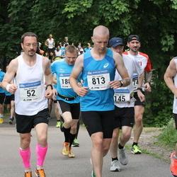 Helsinki Half Marathon - Timo Alatalkkari (52), Atte Loukimo (813)