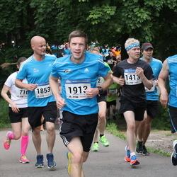 Helsinki Half Marathon - Jarkko Soronen (1413), Kimmo Valtanen (1597), Teemu Rantanen (1853), Patrick Neumann (1913)