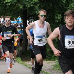 Helsinki Half Marathon - Juha Mikkilä (905), Jussi Nokkala (987)