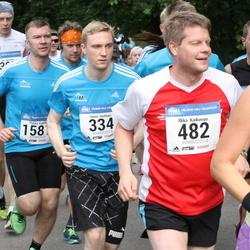Helsinki Half Marathon - Henri Hohtari (334), Ilkka Kaikuvuo (482)