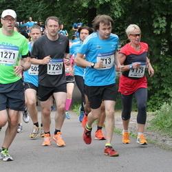 Helsinki Half Marathon - Hannu Lahtinen (713), Maija Päivinen (1175), Jukka Rusila (1271), Timo Väkeväinen (1720)