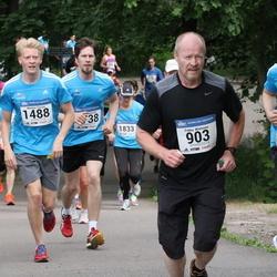 Helsinki Half Marathon - Pekka Miettinen (903), Markus Tassia (1488)