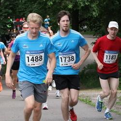Helsinki Half Marathon - Juha Pöyry (1183), Markus Tassia (1488), Juho Änkiläinen (1738)