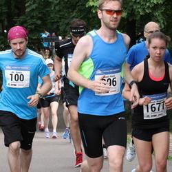 Helsinki Half Marathon - Aki Aunala (100), Lillemor Winqvist (1677)