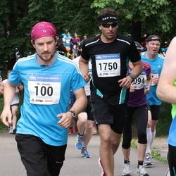 Helsinki Half Marathon - Aki Aunala (100), Pekka Eerola (1750)