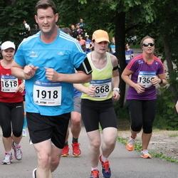 Helsinki Half Marathon - Laura Kunnas (668), Todd Andresen (1918)