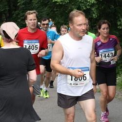 Helsinki Half Marathon - Petri Soirala (1405), Kari Leivonen (1806)