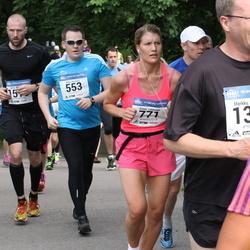 Helsinki Half Marathon - Antti Keränen (553), Emmi Lehtonen (771)