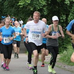 Helsinki Half Marathon - Tiia Luoma (817), Panu Pikkusaari (1130)