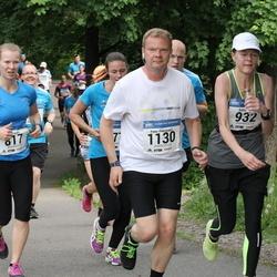 Helsinki Half Marathon - Tiia Luoma (817), Riitta Myller (932), Panu Pikkusaari (1130)