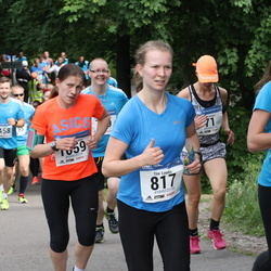 Helsinki Half Marathon - Tiia Luoma (817), Alma Juls (1772)