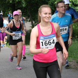 Helsinki Half Marathon - Antti Kansanen (509), Mikaela Vikholm (1664)