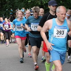 Helsinki Half Marathon - Petri Hämäläinen (393), Kristiina Linnupöld (806)