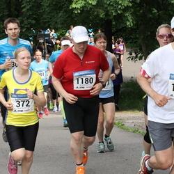 Helsinki Half Marathon - Anniina Hynninen (372), Simo Pöyhönen (1180), Mathias Lindqvist (1811)