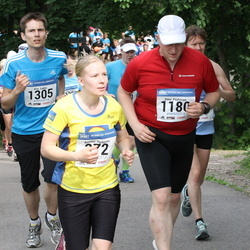 Helsinki Half Marathon - Anniina Hynninen (372), Simo Pöyhönen (1180), Arto Sakko (1305)