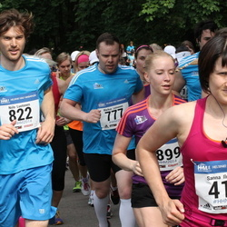 Helsinki Half Marathon - Sanna Ilmarinen (413), Markus Leinonen (777), Niilo Luotonen (822)